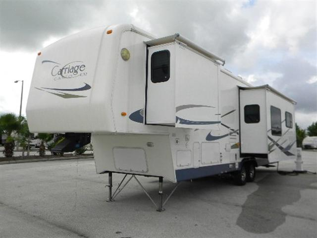 Used2005 Carriage Cameo Fifth Wheel For Sale