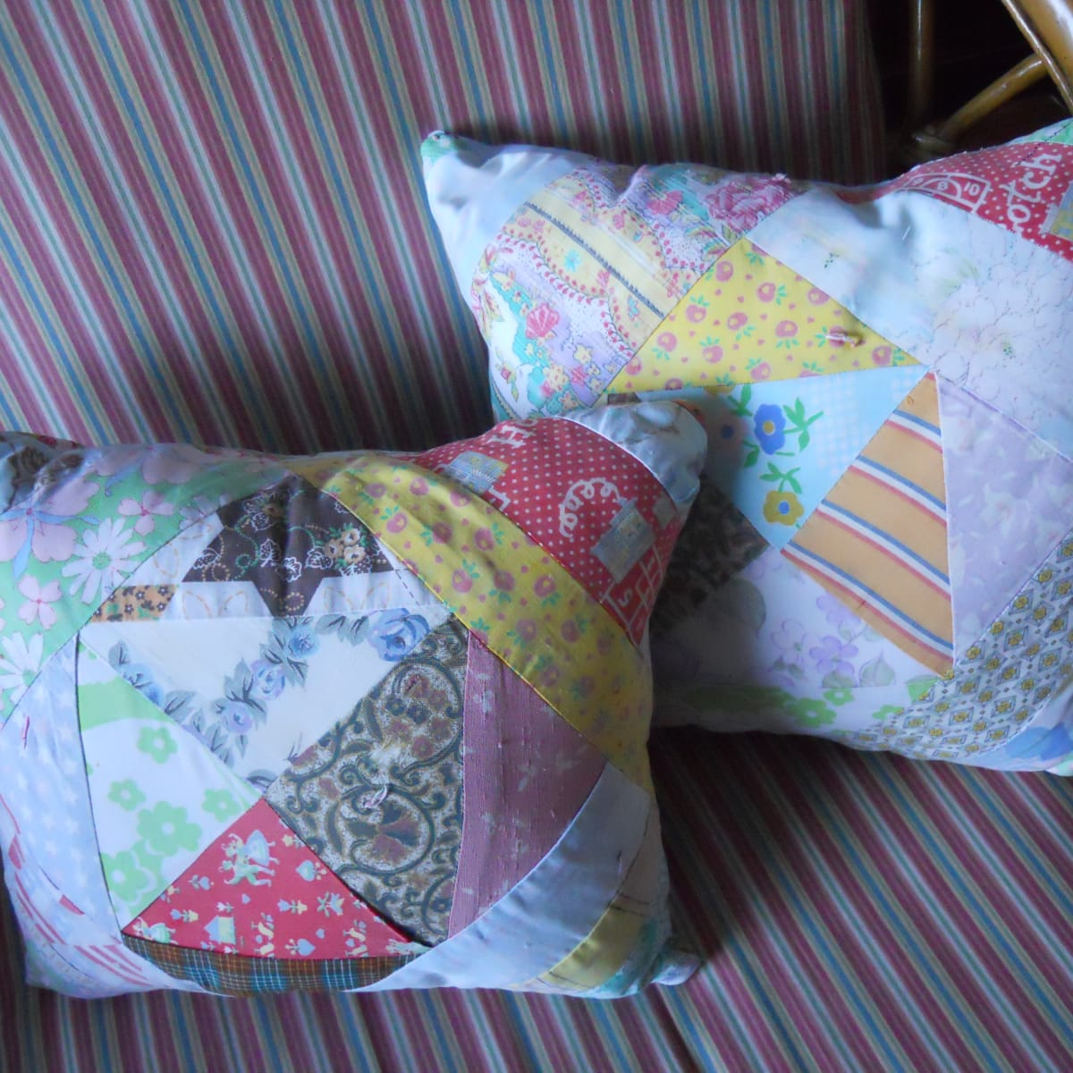 how to make throw pillows from a quilt
