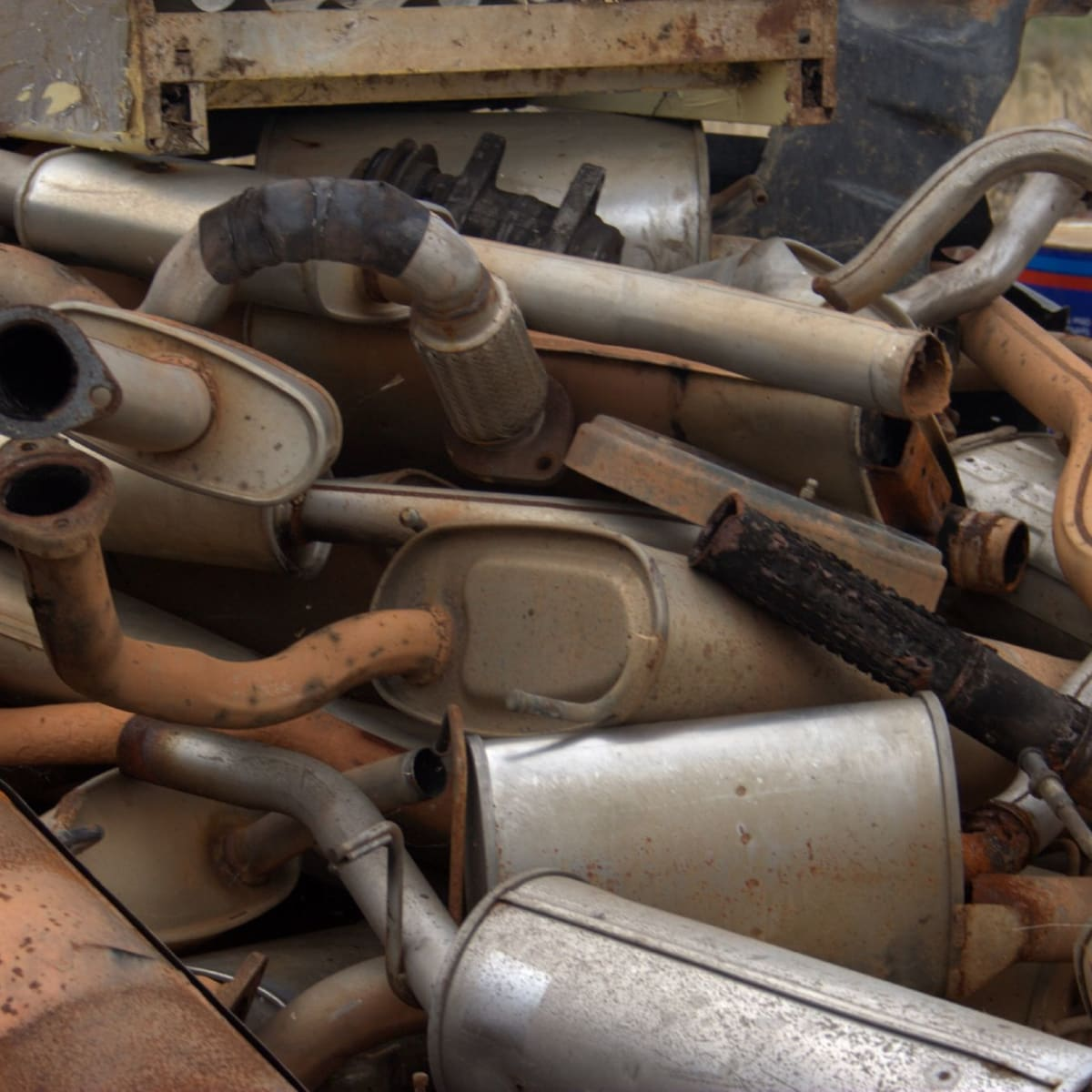 how to fix the exhaust pipe or muffler