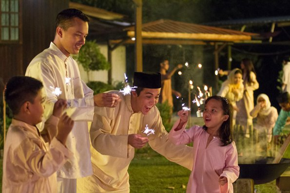 7 Classic Raya Ads That Well Never Get Tired Of Watching