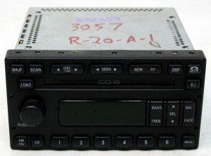 Ford Escape 2003 2004 Factory AMFM Stereo 6 Disc Changer