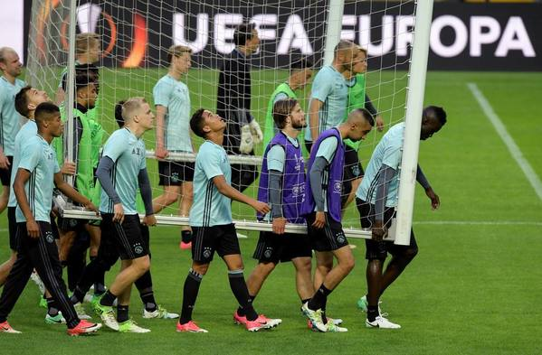 Ajax left it all on the pitch in training this evening.