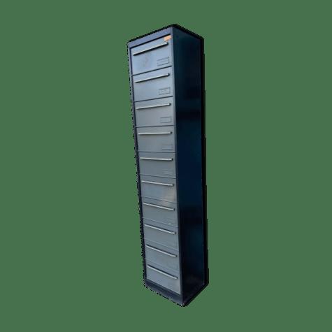 casier metal industriel a 10 clapets
