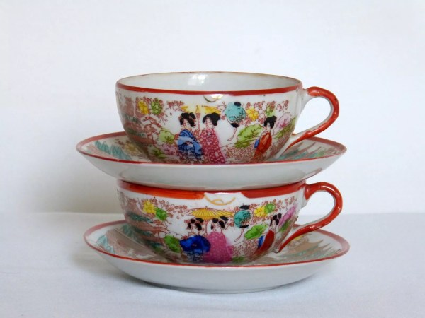 duo tasses a the du japon en porcelaine ancienne avec sous tasses selency