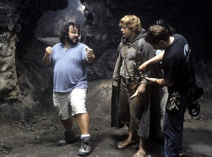 Peter Jackson directs a scene from Lord of The Rings.