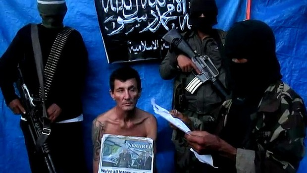 Australian Warren Rodwell during his captivity in this screen grab from the last video released by the Abu Sayyaf.