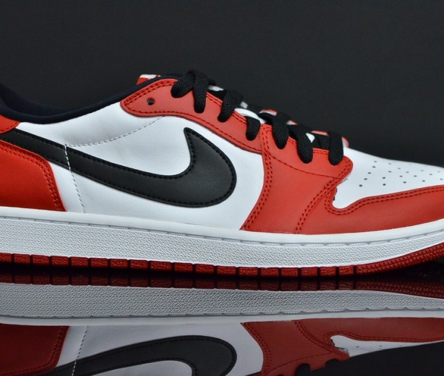Air Jordan  Low Chicago