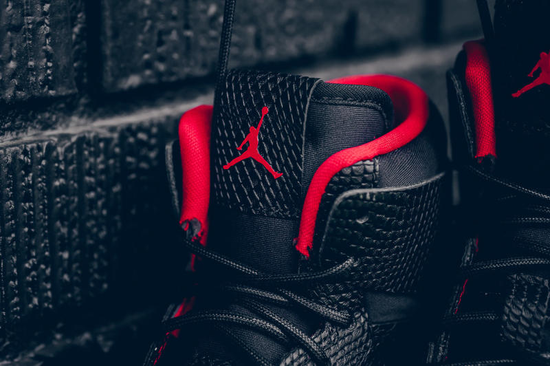 Snakeskin Jordan 1 Black Red (6)