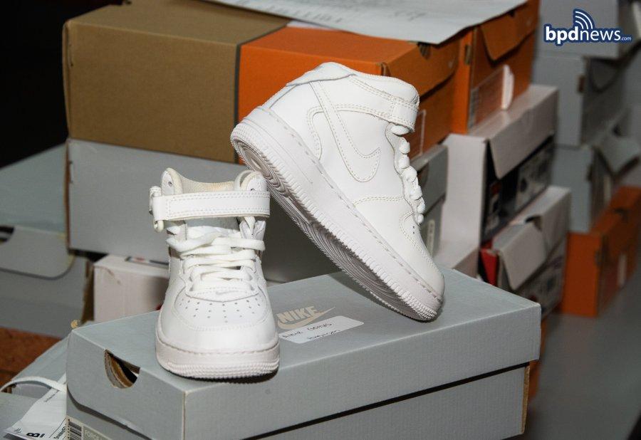 20201118_B-2 Snearkers donation_0001-3.jpg