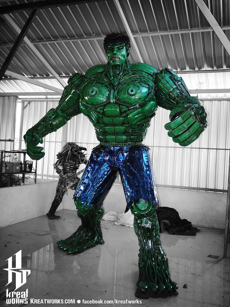 10-Foot-Tall-Recycled-Hulk-Front.jpg