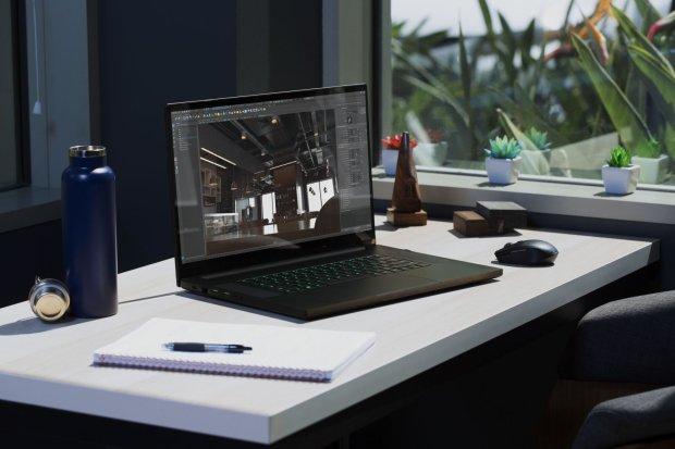 Blade Pro 17 [2020] Lifestyle (1).jpg