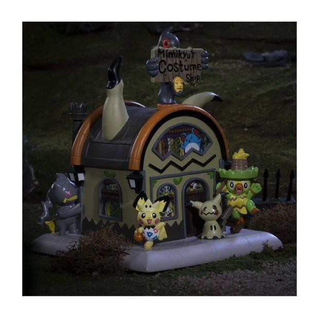 Haunted_Pokemon_Village_Mimikyu_s_Costume_Shop_Figure_Lifestyle_Image.jpg