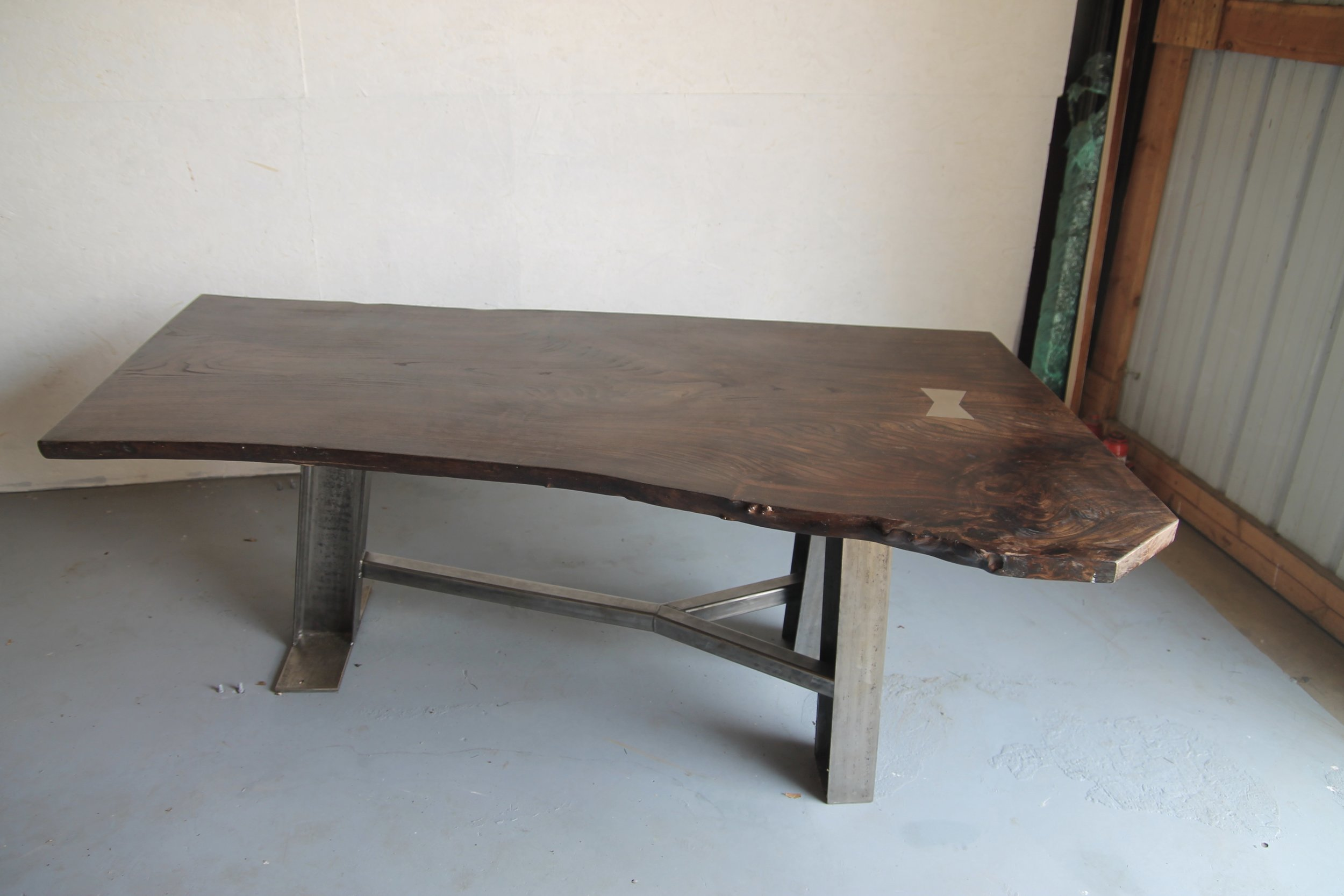 live edge table with custom metal 3 leg base