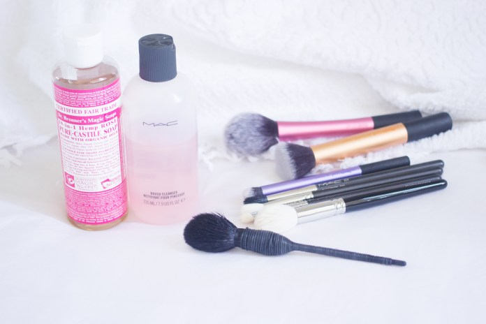 How I Clean My Makeup Brushes Like Neon Love