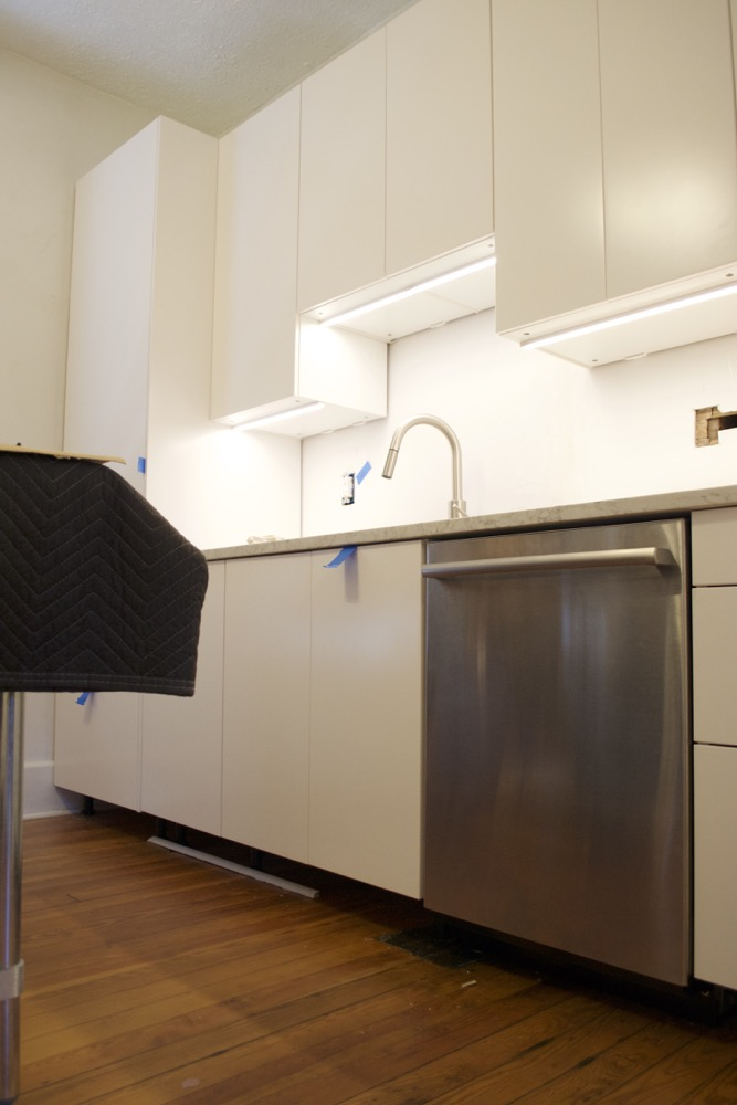 installing ikea under cabinet lighting