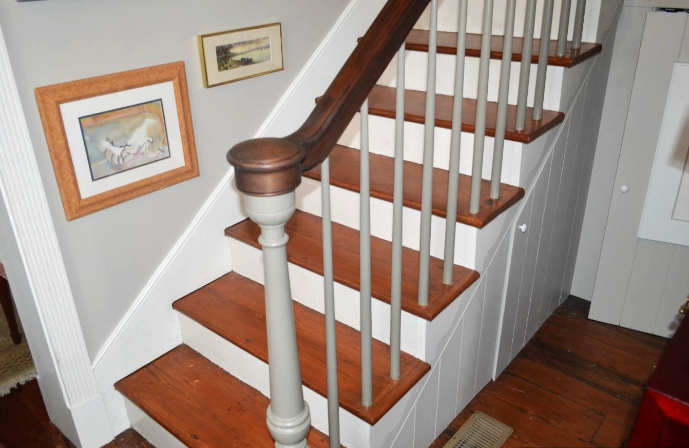 Timber Artisans Llc | Continuous Handrail Winder Stair | Recessed | 30 Inch | Basement | Gooseneck | 90 Degree