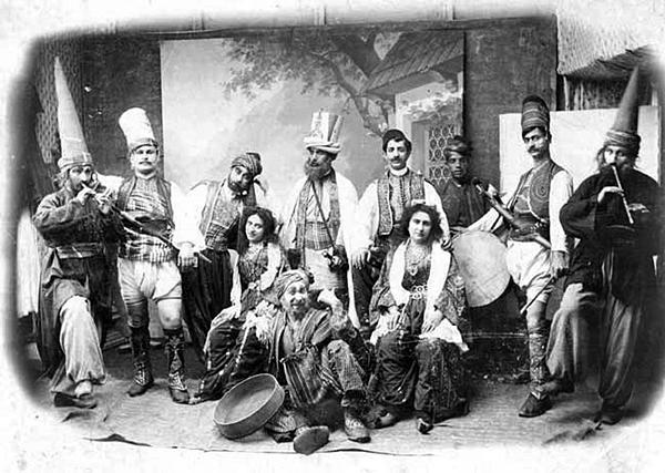 Опереточная труппа, исполнявшая «Леблебиджи» (1870-е годы) | wikipedia.org