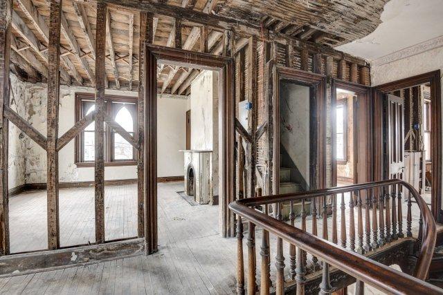 66 Interior Auburn NY Castle Home For Sale Auction Listings Real Estate Agent Broker Michael DeRosa .JPG