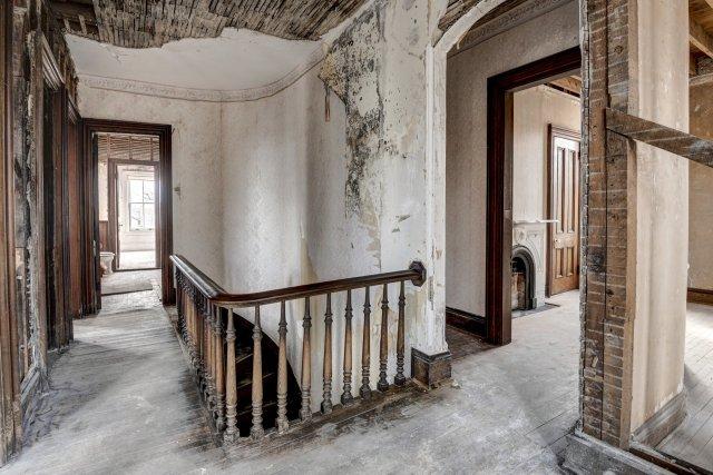 69 Interior Auburn NY Castle Home For Sale Auction Listings Real Estate Agent Broker Michael DeRosa .JPG
