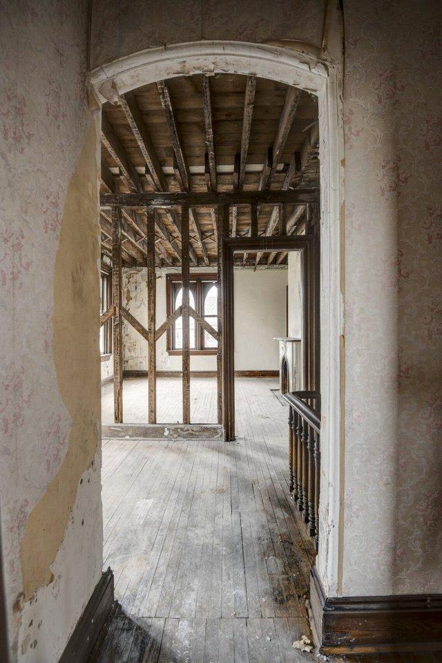 76 Interior Auburn NY Castle Home For Sale Auction Listings Real Estate Agent Broker Michael DeRosa .JPG