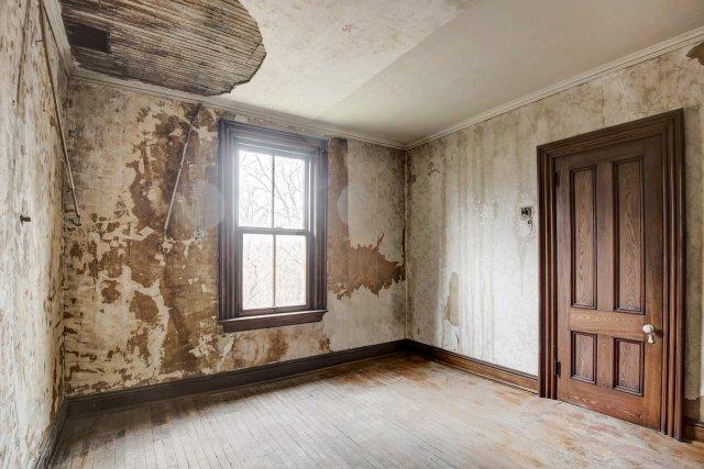 82 Interior Auburn NY Castle Home For Sale Auction Listings Real Estate Agent Broker Michael DeRosa .JPG