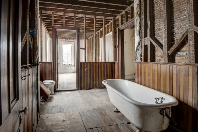 84 Interior Auburn NY Castle Home For Sale Auction Listings Real Estate Agent Broker Michael DeRosa .JPG