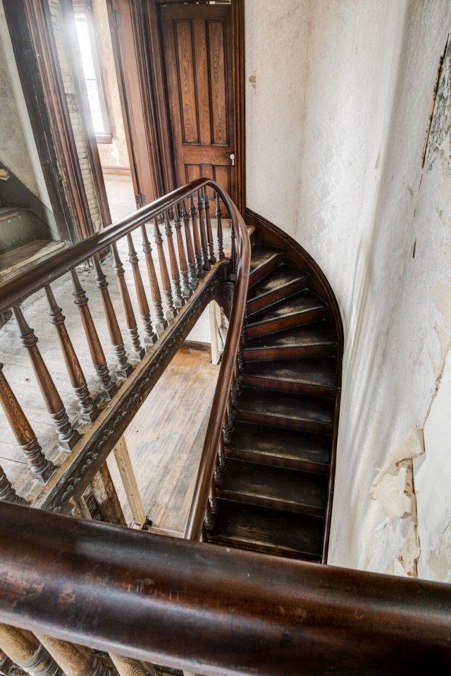100 Interior Auburn NY Castle Home For Sale Auction Listings Real Estate Agent Broker Michael DeRosa .JPG