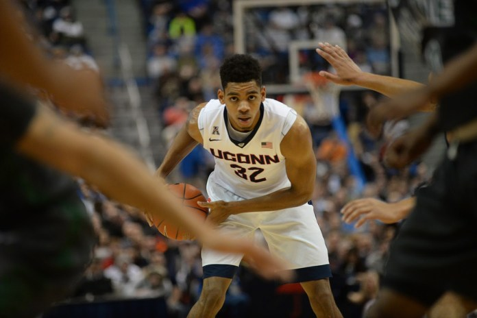 Shonn Miller scored a game high 18 points during UConn's 60-42 victory over Tulane at the XL Center on Jan. 19, 2016. The graduate transfer is averaging 13.5 ppg, leading the team in scoring. (Ashley Maher/The Daily Campus)