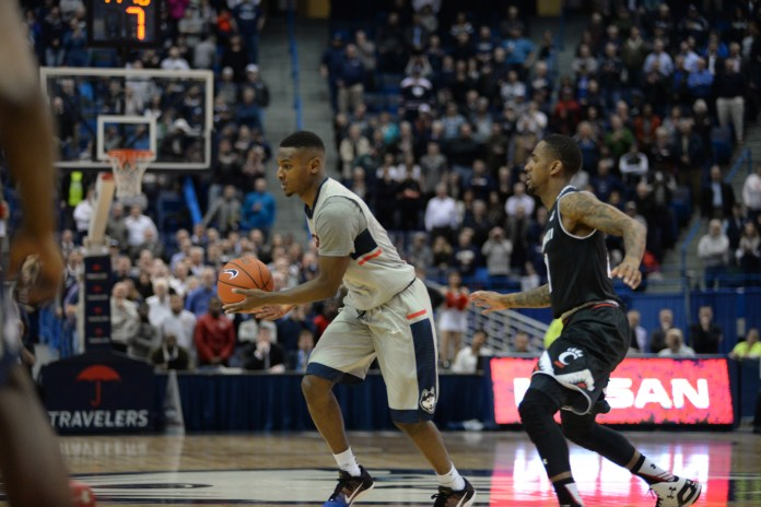 The UConn men's basketball team fell to Cincinnati 58 to 57 on Jan. 28, 2016 at the XL Center in Hartford. (File Photo/The Daily Campus)