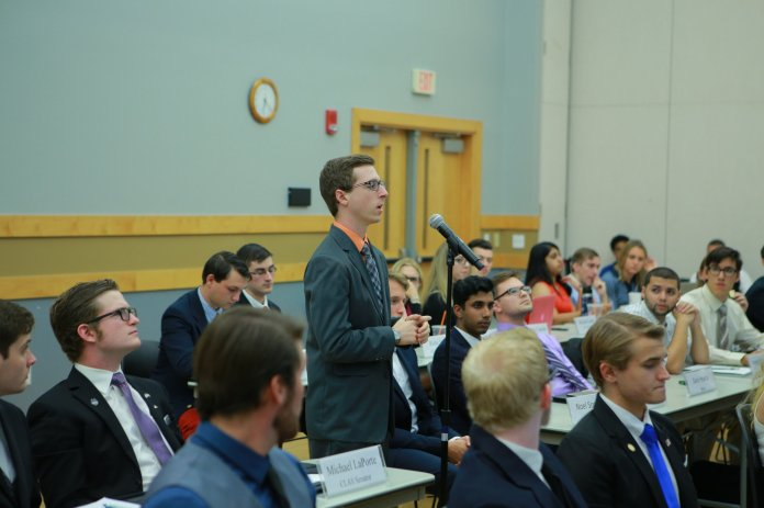 The University of Connecticut Undergraduate Student Government (USG) met for caucus on Monday, Oct. 12, 2016 to talk about the best ways to respectfully discuss.(Junbo Huang/ The Daily Campus)