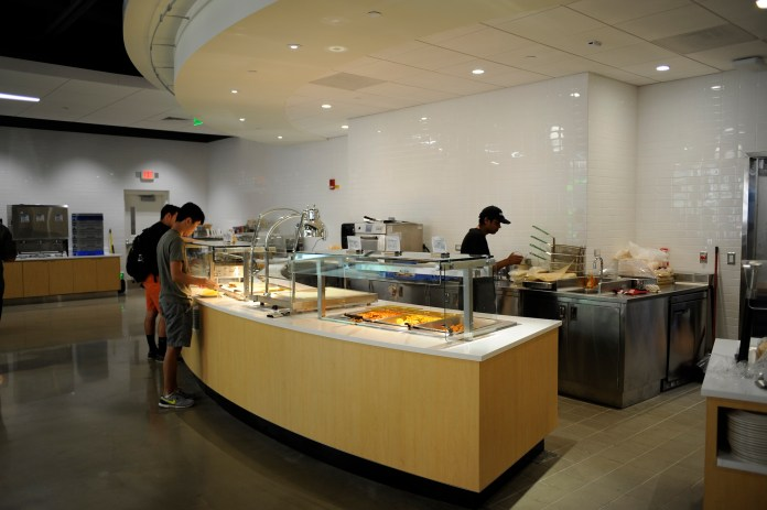 A letter was issued last Friday stating that UConn's Dining Services department obtains the only liquor permit holder on campus.(Jason Jiang/The Daily Campus)
