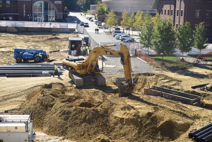 The construction site of the new recreation center of the UConn Storrs campus locates near the business school and across the B&N bookstore, planning to be completed at 2019. (Zhelun Lang/The Daily Campus)