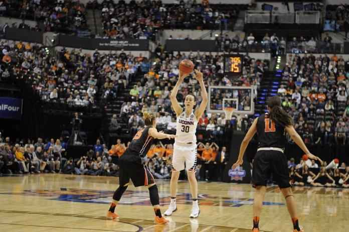 UConn's Breanna Stewart (#30) makes a pass during an NCAA tournament game against Oregon State on April 3rd, 2016. (Bailey Wright/The Daily Campus)