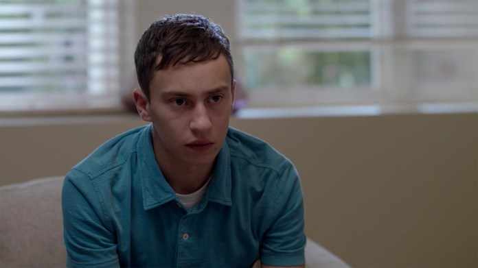 """Main character Sam Gardner played by Keir Gilchrist in Netflix's new show """"Atypical"""". (Screenshot/Netflix)"""