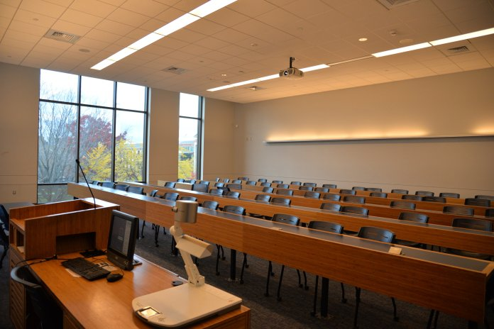 UConn has varying sizes in lecture halls and many students find that they prefer smaller classes.   File Photo / The Daily Campus
