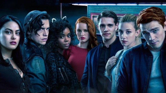 """Season two of CW favorite """"Riverdale"""" premieres tomorrow, promising to answer viewers' burning questions about topics such as Fred Andrews' fate and Bughead's future, and foreshadow several new characters' expected introductions this season. (Photo courtesy of  Entertainment Tonight )"""