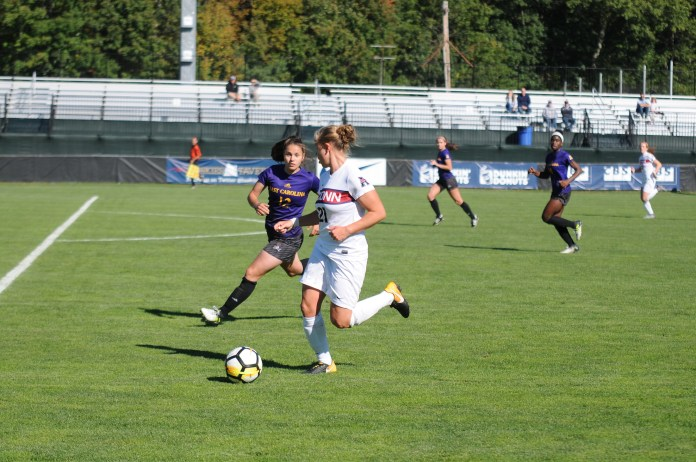The UConn women's soccer team will return home on Thursday, looking for a win against SMU.(Natalija Marosz/The Daily Campus)