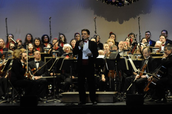 Kicking off the holiday season here at UConn, the Jorgensen Center for the Performing Arts hosted its annual performance by the world-famous Boston Pops Orchestra conducted by Keith Lockhart. (Jon Sammis/The Daily Campus)