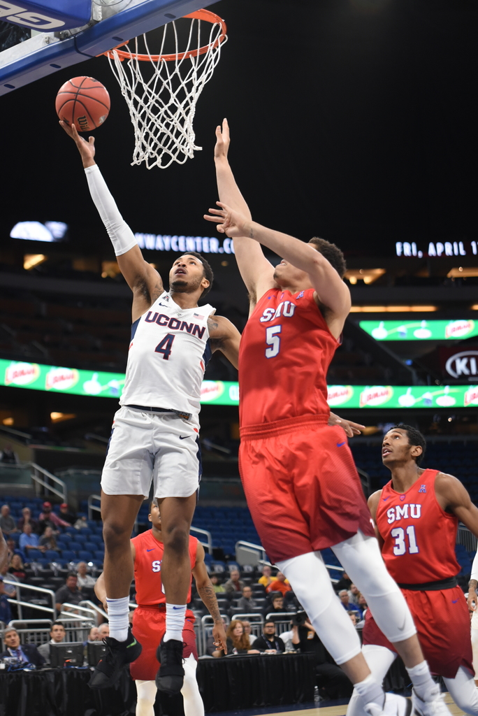 The Huskies ends their season against SMU in the first round of the AAC Tournament on March 8, 2018. (Charlotte Lao/The Daily Campus)