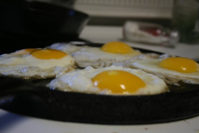 Wether you like your eggs sunny-side up or scrambled, you shouldn't have to worry about your health while eating them.  (elizabeth davis/ Flickr, Creative Commons)