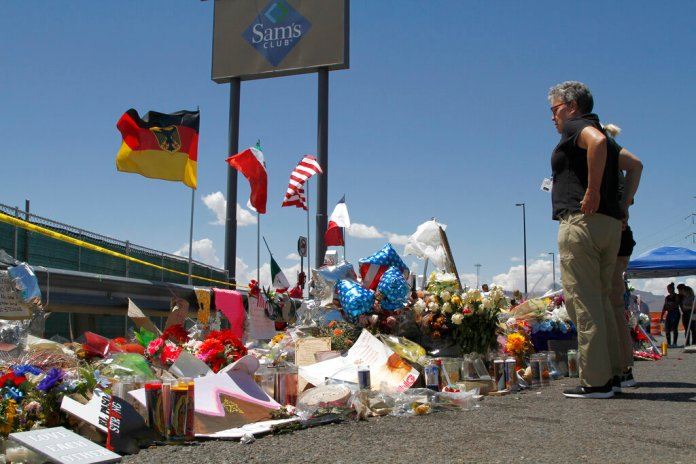 Photo by Cedar Attanasio from    Associated Press   .
