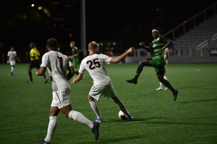 The UConn men's soccer team ended their losing streak witih their victory over Manhattan College. They will look to add another win in their next matchup against Columbia University.  Photo by Eric Wang, Senior Staff Photographer/Daily Campus.