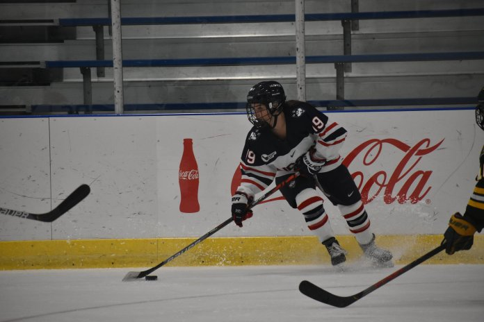 The UConn women's hockey team finished with a tie of 2-2 against the University of Vermont at the Freitas Ice Forum this past Friday night. The Huskies picked up a point with the tie, and pushed their unbeaten streak to three games.  Photo by Sofia Sawchuk/The Daily Campus