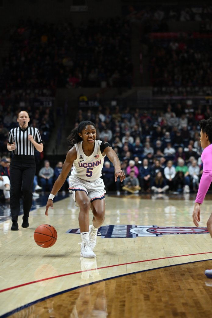 The Huskies fell to No. 1 South Carolina 70-52 Monday night. It was their third loss of the season, all coming against ranked opponents.  Photo by Kevin Lindstrom / The Daily Campus.