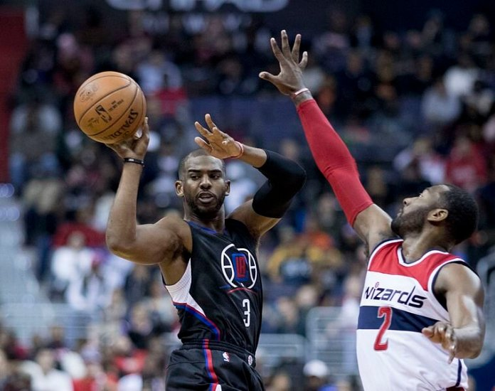 Chris Paul playing for the Clippers against the Wizards in 2016.  Photo in the    public domain