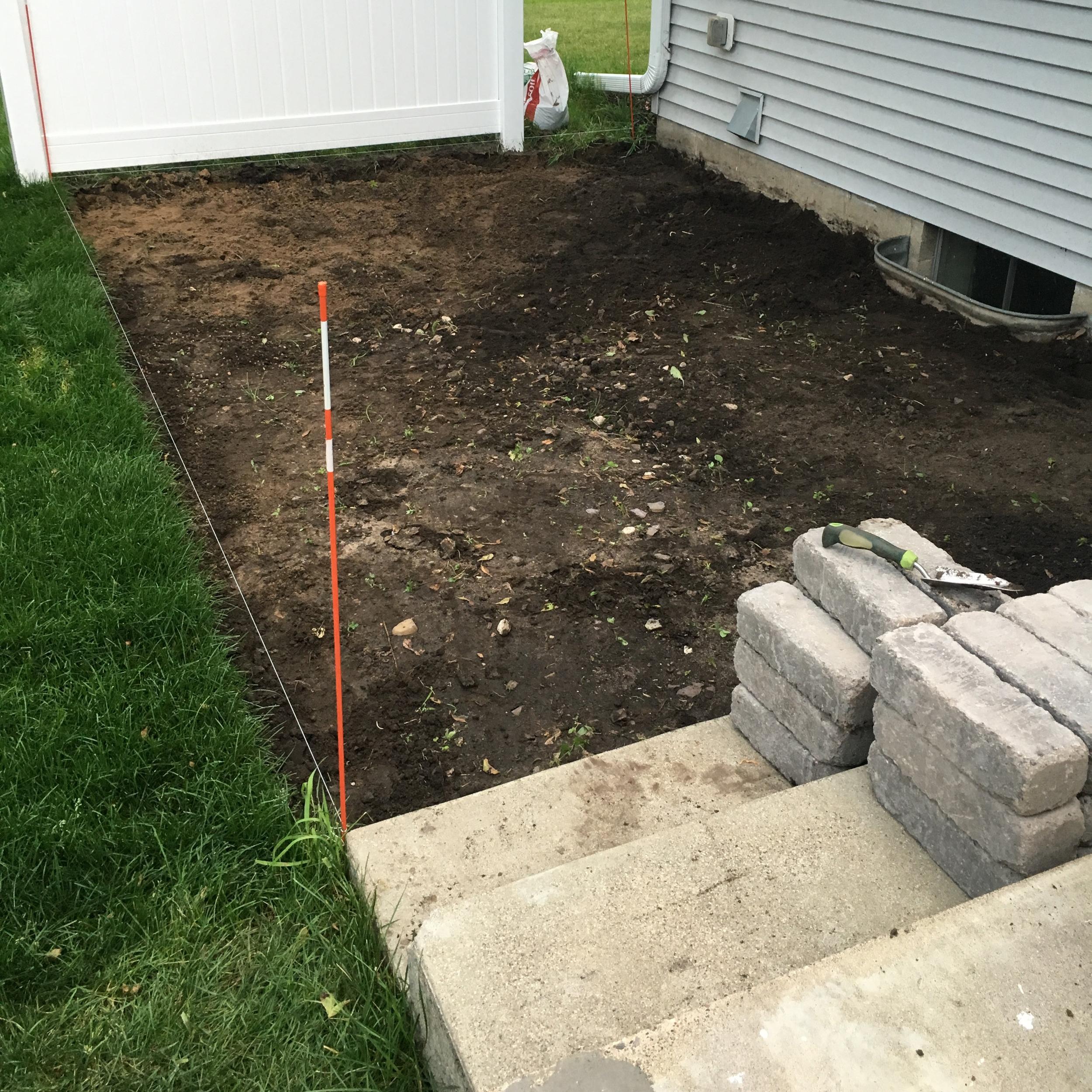 how to make a diy pea gravel patio