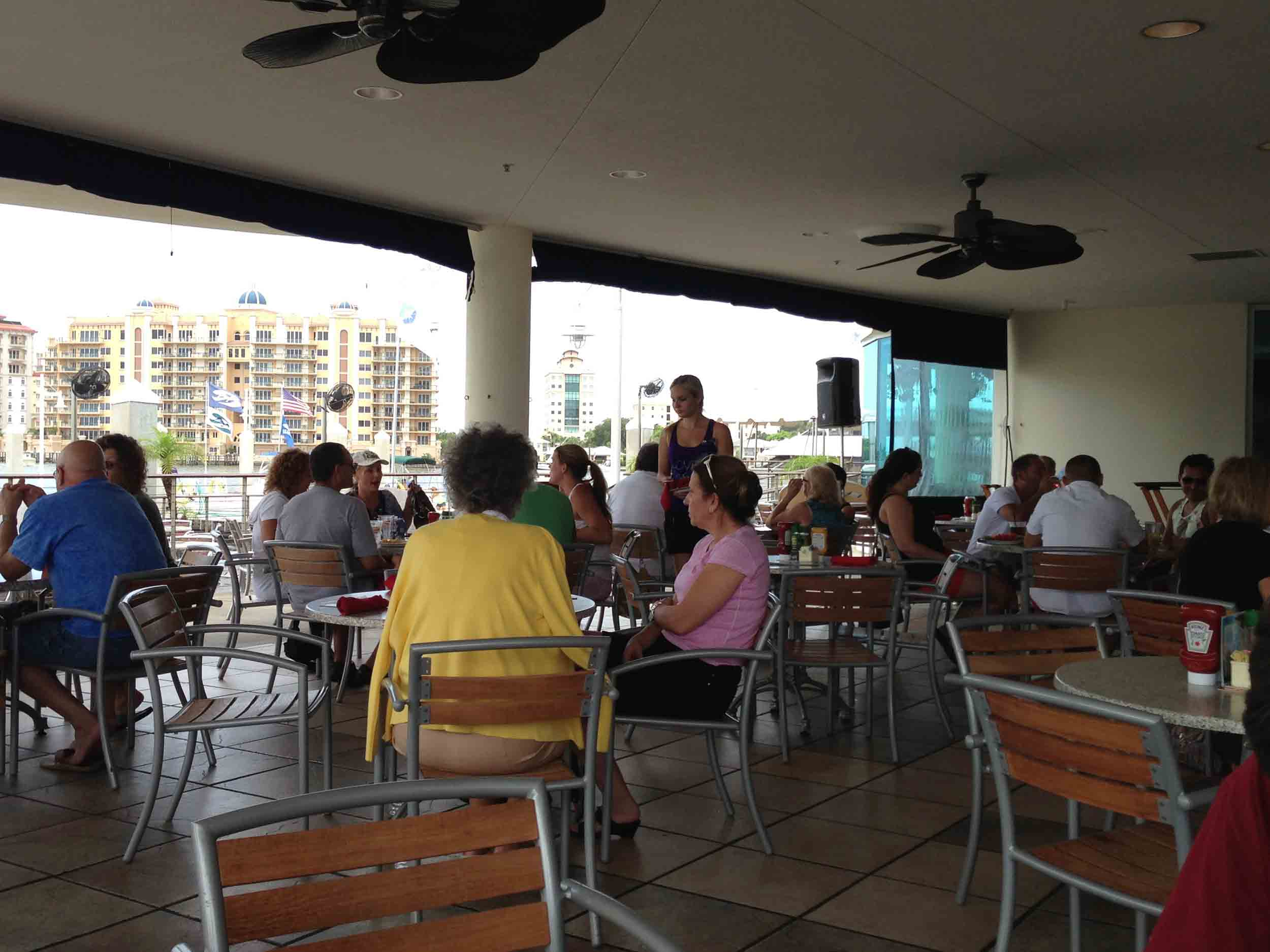 blue sunshine patio bar and grill