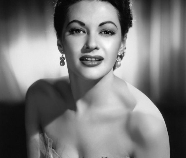 Yvonne De Carlo The Seduced Episode  You Must Remember This