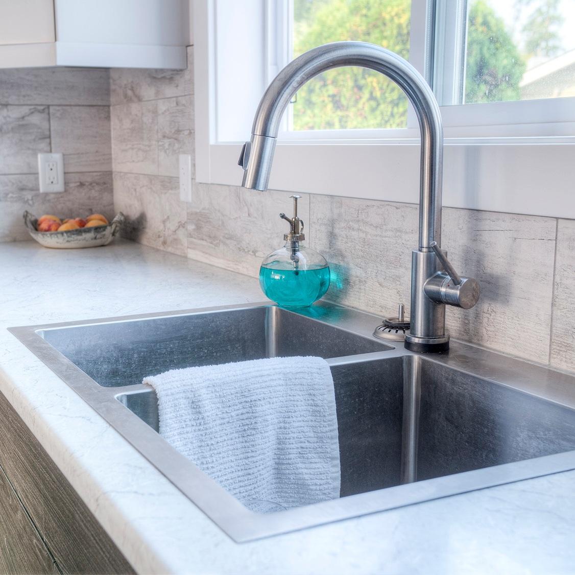 undermount vs drop in kitchen sink