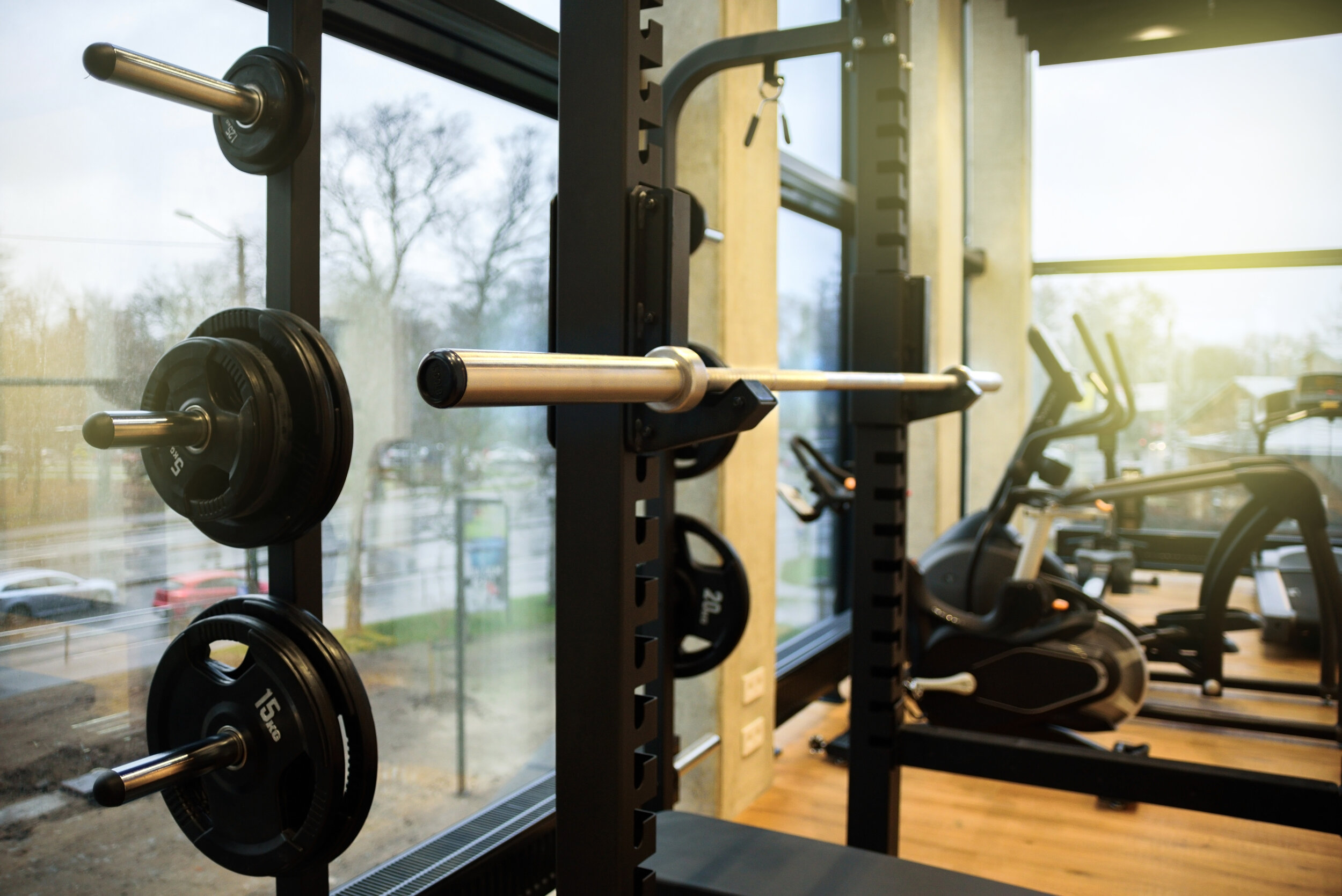hotel gyms with squat racks